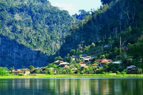 ethnie Tay au lac Ba Be 2