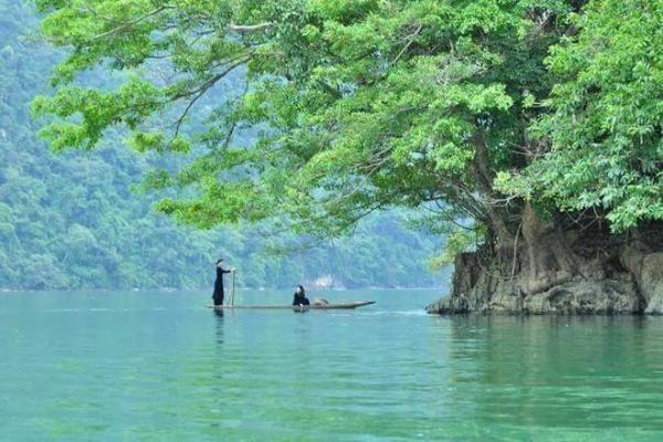 ethnie Tay au lac Ba Be 1