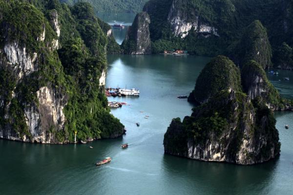 Baie Halong loin de la foule