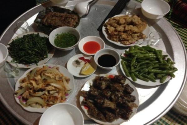 Repas pendant votre séjour au Vietnam 1