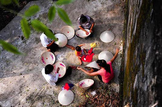 Village du chapeau conique 2