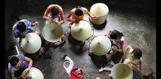 Village du chapeau conique